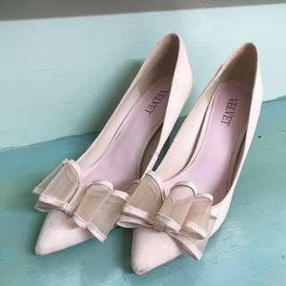 Velvet pinkish nude heels