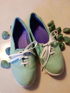 🚚 CROCS帆布平底鞋