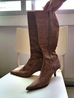Woman's Brown Leather Boots