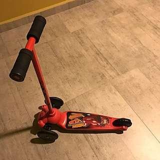 Kids kick scooter (lightning mcqueen)⭐️