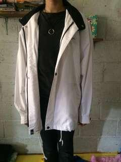 Jaket putih piere cardin anti air