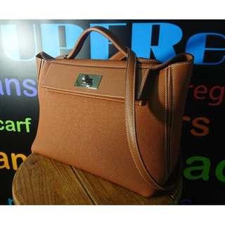 HERMES ladies' 2424 kelly bag