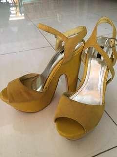 nose heels