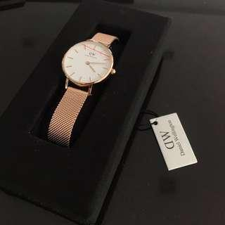 Daniel Wellington Classic Petite Melrose 28mm White Dial with 13mm Glasgow Strap Rose Gold NEW AUTHENTIC
