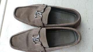 Louis Vuitton shoes for sale negotiable