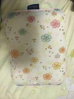 Gio pillow s size
