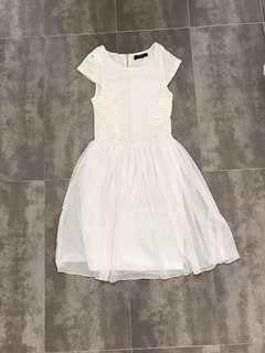 Pagani Lace Sweetheart Dress