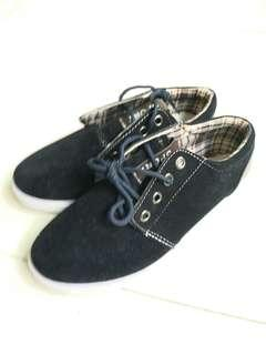 BN black casual shoes