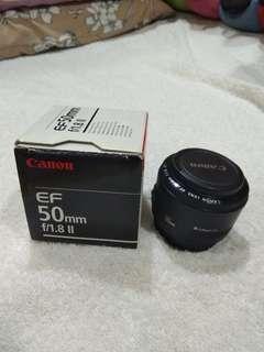 Canon 50 mm f1.8 II len.