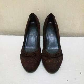 🎈SUPER SALE🎈GUY LAROCHE Vintage Heels