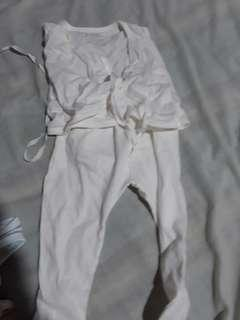 Basics SM infant tie-sides, socks and mittens