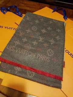 lv 頸巾 special price 聖誕禮物 只有三條