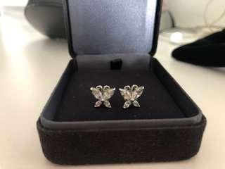 🚚 Korean Crystal design earrings