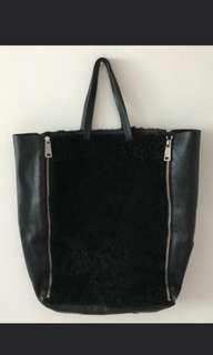 🚚 Celine Shearling Black Leather