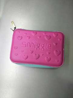🚚 Smiggle hearts Pencil Case