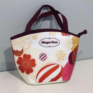 🚚 Spacious Cooler Bag