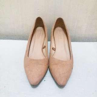 🎈SUPER SALE🎈PARISIAN Pointed Nude Heels 9