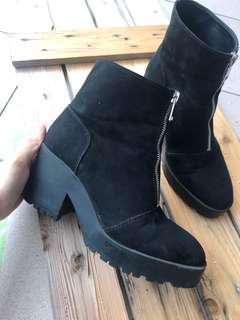 Pull & Bear Boots  ( 💯 Authentic )