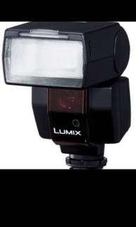 the TTL-compatible LUMIX DMW-FL360E External Flash from Panasonic f