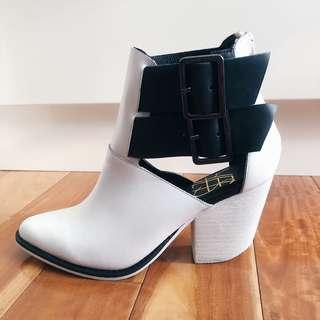 NEW - Size 5 YES White Ankle Cut-out Faux Leather Boots