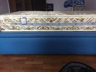 Supreme 99% new mattress