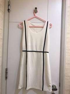 💟白色連身裙