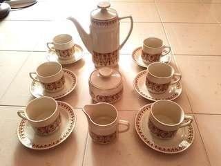 Vintage Porcelain Tea Set ( 6 cups & saucers, pot, sugar & milk pot