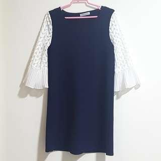 HOLLYHOQUE Navy Blue Dress With White Lacy Sleeves