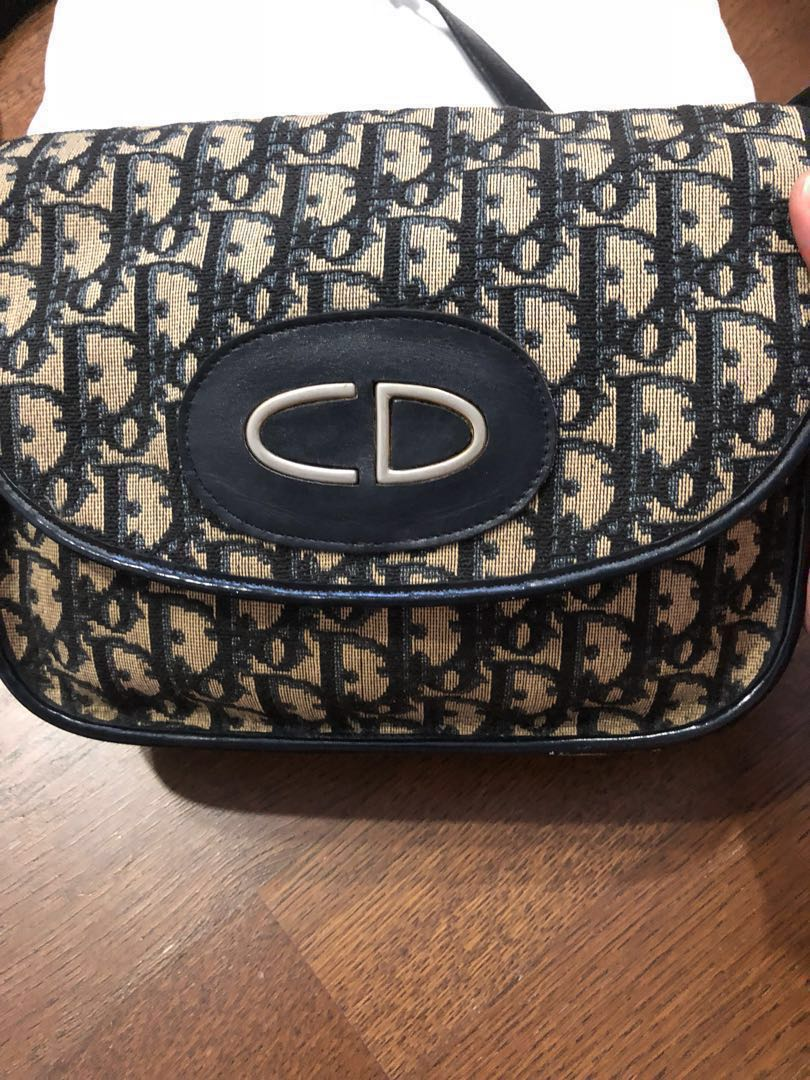 8c0a29020097 Fast deal 350) Christian Dior oblique