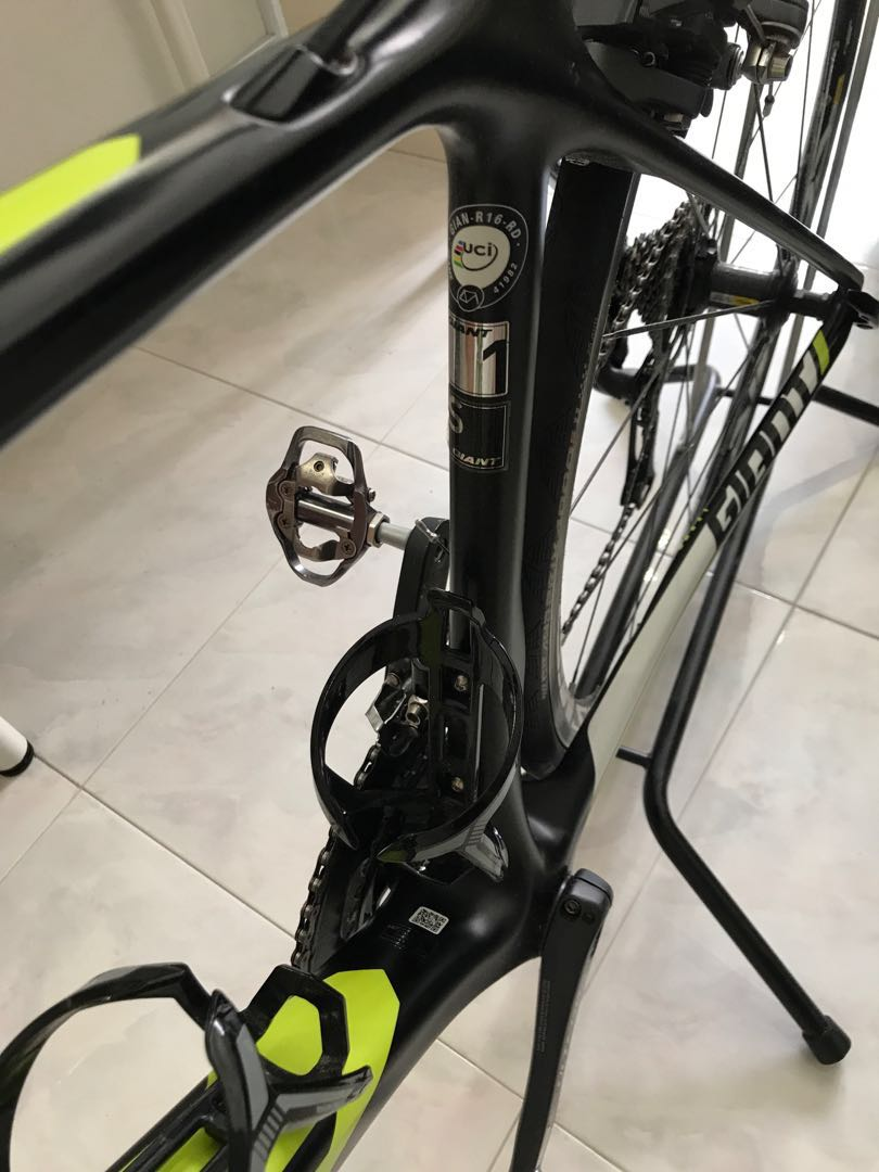 cdab17b60ea Giant TCR Advanced KOM 2016 ($1200 Xmas Special - Must collect today ...