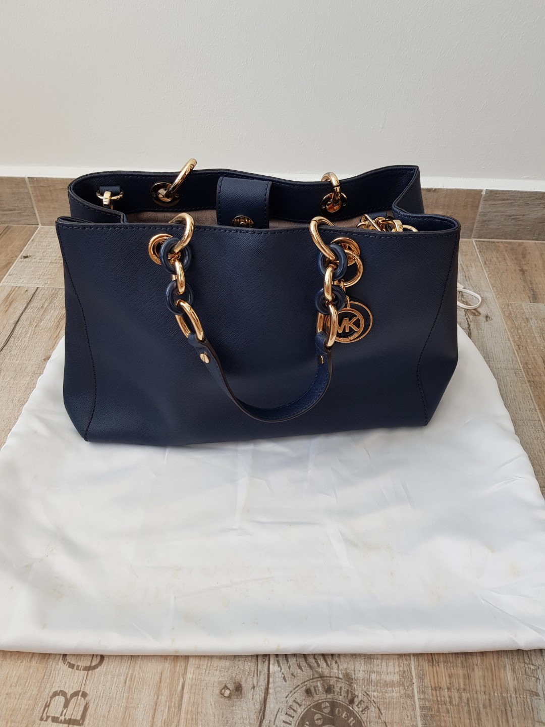 c2f1eee32fa1 New Year SALES Michael kor sling and hand bag