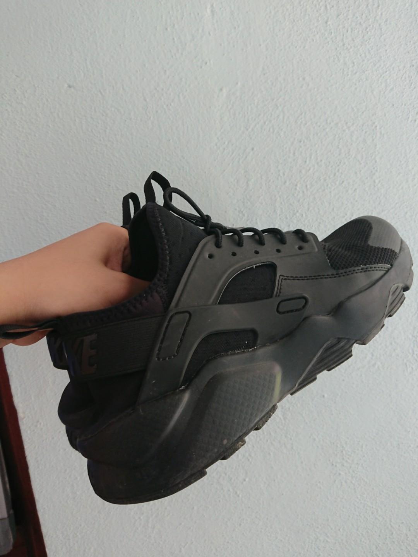 81a47fd02cd0 Nike Huarache Ultra Triple Black  SELLING URGENT