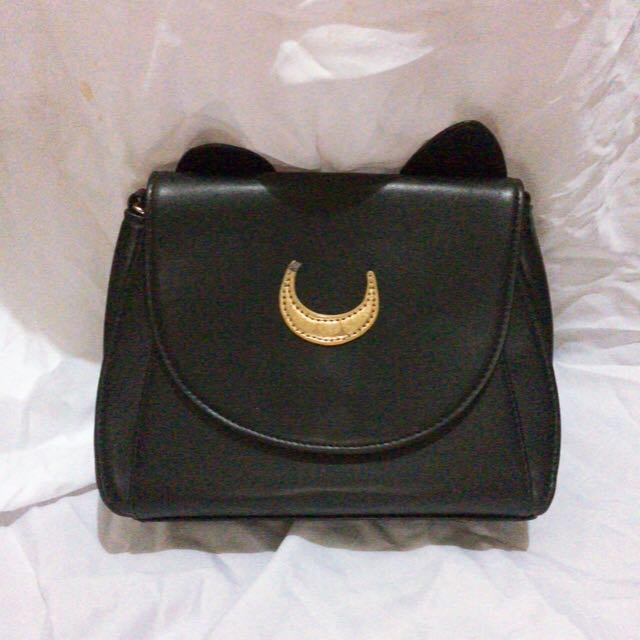 2623b08bf2 Sailormoon Luna Sling bag