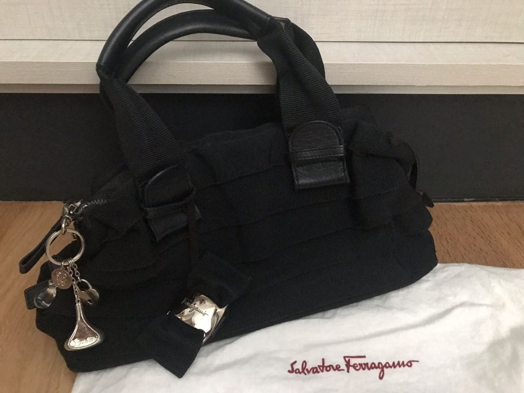 652bd87a882d Salvatore Ferragamo Black signature Ribbon Bag