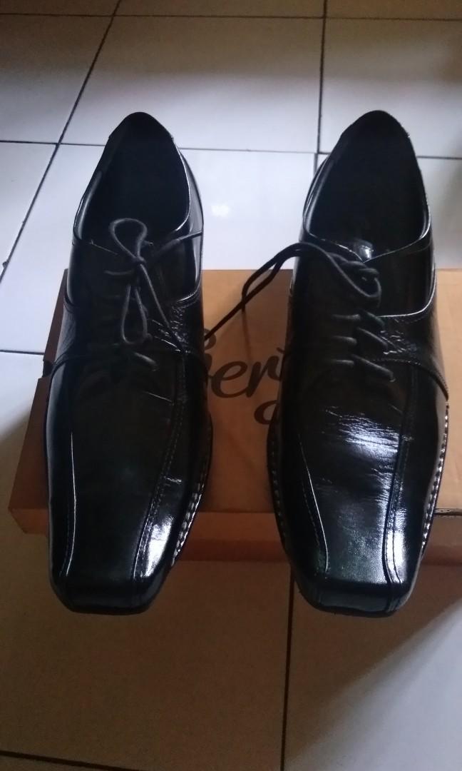 Sepatu pantofel e295a253a5