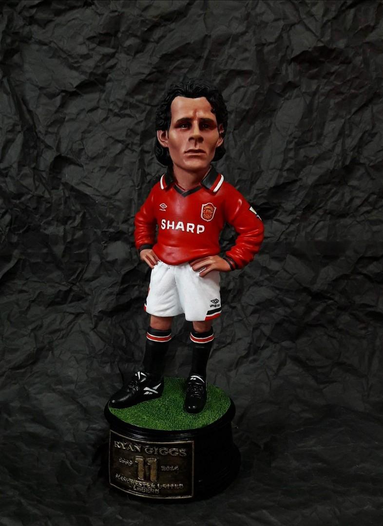 8e5300cc727 The Legend Statue Ryan Giggs ( Manchester United)