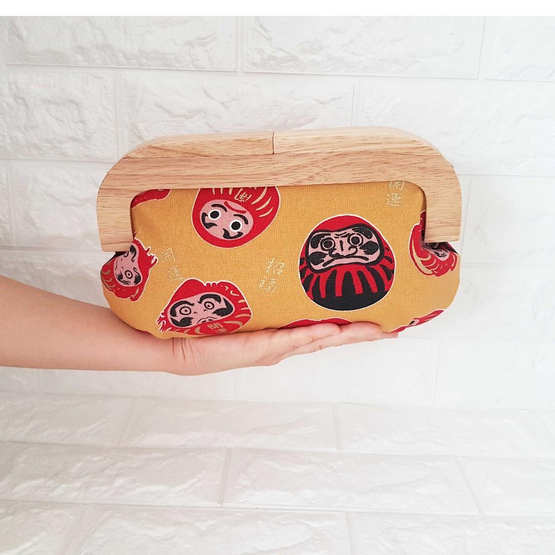 Wood Frame Magnetic Kisslock Clutch Daruma Womens Fashion