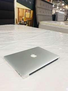 Macbook Air core i5 early 2015 13inch 4gb ram 128gb ssd slightly use