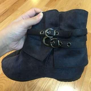 Size 5.5 genuine suede boots