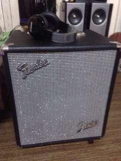 Guitar Amplifier bass fender rumble 100v3