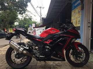 "Ninja 250 FI special edition ""beet performance"""