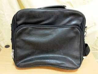 Simple Laptop bag in good condition