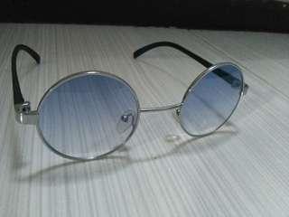 Kacamata bundar, keren