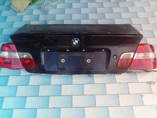 E46 boot & tail light