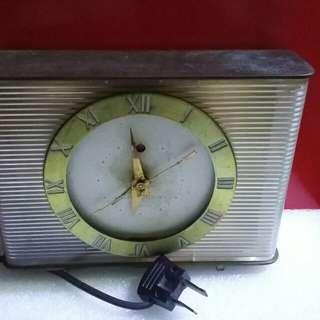 GENERAL (ge)ELECTRIC  精典懷舊電鐘  (銅貭) 運作正常  115v
