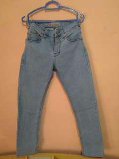Celana jeans levis light blue