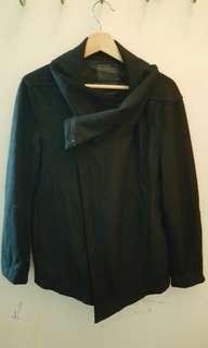 5cm black jacket size large