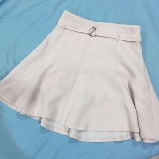 🚚 杏色腰帶造型褲裙