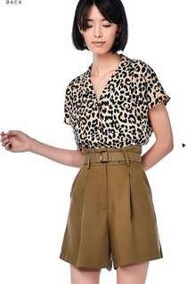 TEM Henley collated blouse cheetah leopard print
