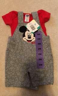 全新$89 美國迪士尼米奇小男孩套裝 兩件套 Disney Mickey Minnie Mouse Boy's Two pieces Suit T-shirt and pants jumpsuit Perfect Gift for Newborn
